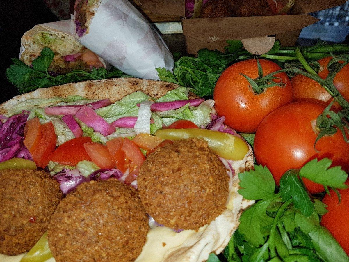 Salt Beef bagels, sandwiches & falafel wraps in Londons